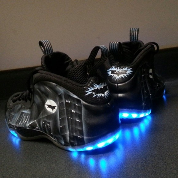 "Nike Air Foamposite ""Dark Knight"" Customs by Le Shoechainz ..."