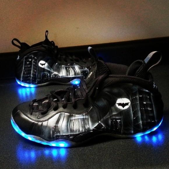 """Nike Air Foamposite """"Dark Knight"""" Customs by Le Shoechainz ..."""