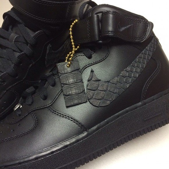 nike-air-force-1-black-everything-customs-wiss-customs
