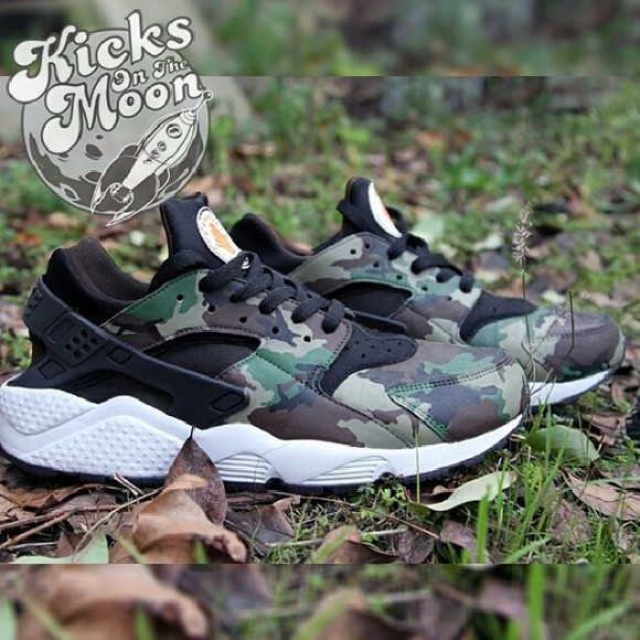 timeless design 6ab22 b12bf nike-air-huarache-camouflage-customs-by-kicks-on-