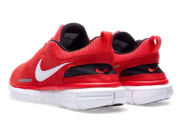 nike-free-og-superior-light-crimson-black-white-3