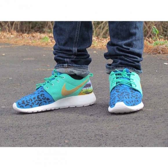 nike-roshe-run-versace-customs-by-sole-4-the-soul