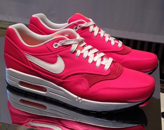 nike-wmns-air-max-1-world-cup-country-pack-2