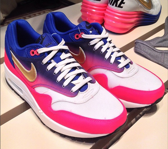 nike-wmns-air-max-1-world-cup-country-pack-3