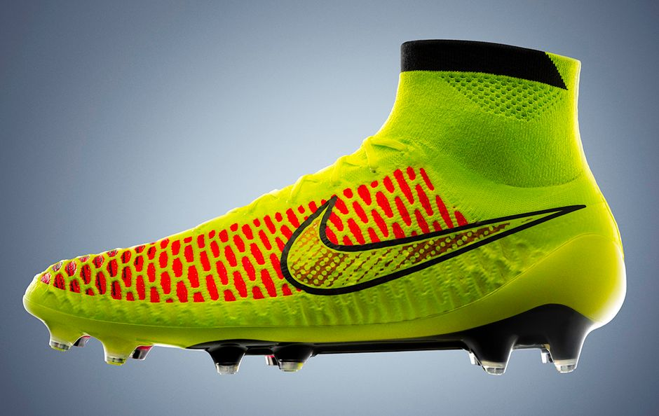 release-reminder-nike-magista-volt-metallic-gold-black-hyper-punch-1