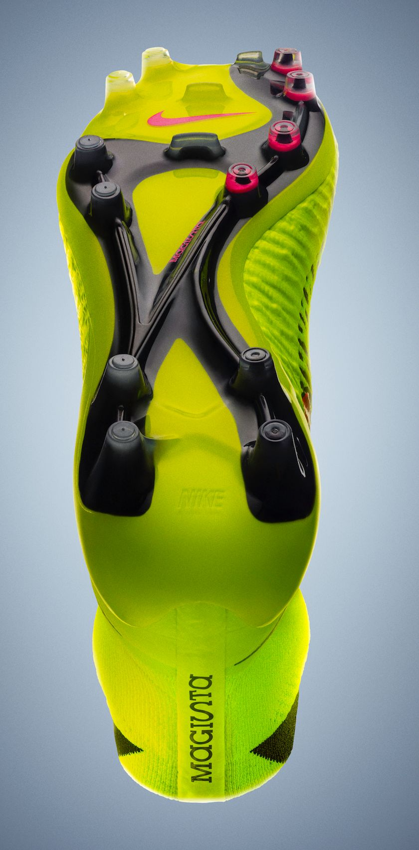 release-reminder-nike-magista-volt-metallic-gold-black-hyper-punch-5