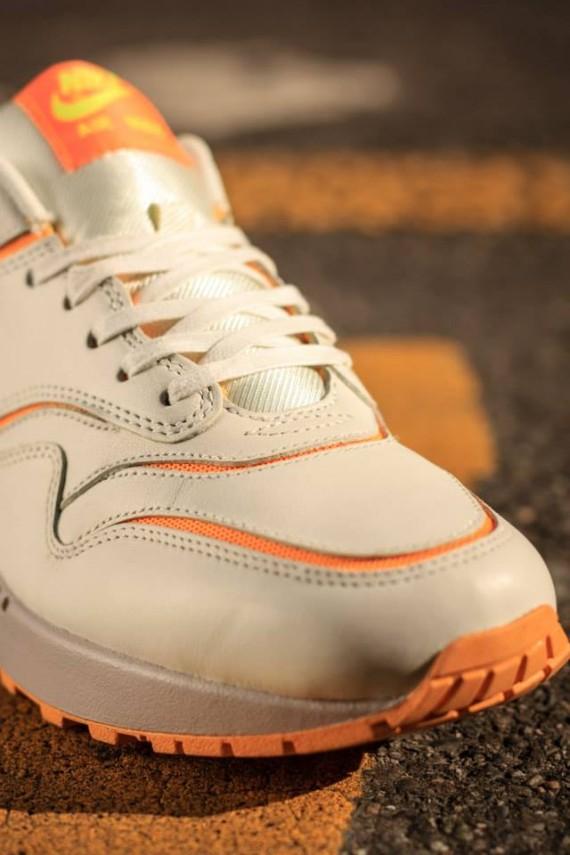 Nike WMNS Air Max 1 Premium Atomic Mango
