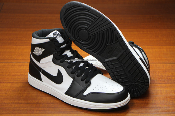 air-jordan-1-high-og-black-white-2