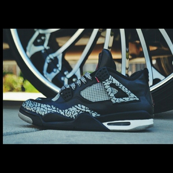 air-jordan-4-elefante-customs-by-the-evil-geniuss