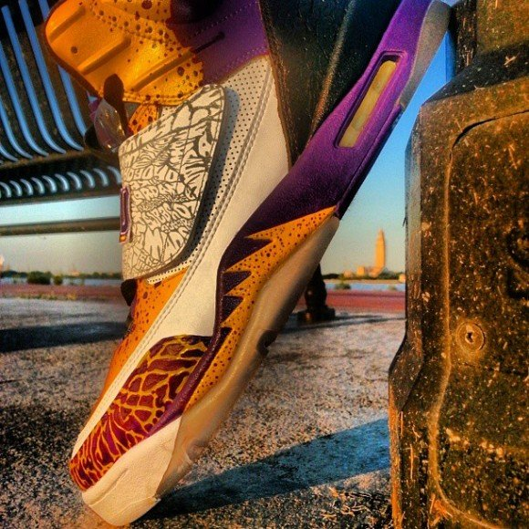 air-jordan-son-of-mike-the-tiger-customs-by-going-through-customs