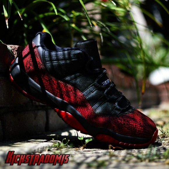 air-jordan-xi-11-lows-dirty-blood-snake-customs-by-kickstradomis