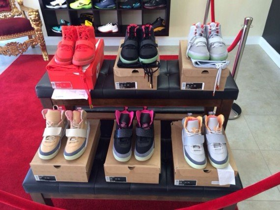 complete-nike-air-yeez-set-available-4