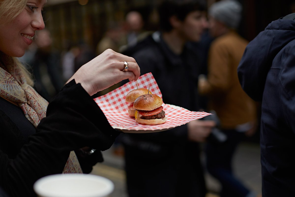 end-saucony-shadow-5000-burger-launch-party-recap-6