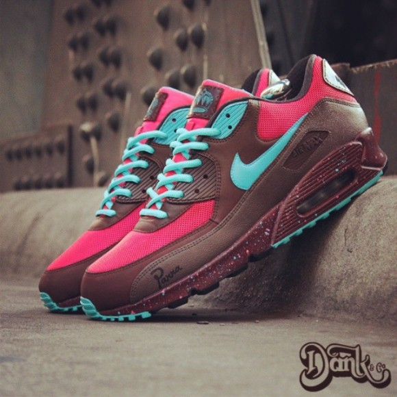 nike-air-max-90-amsterdam-customs-by-dank-customs