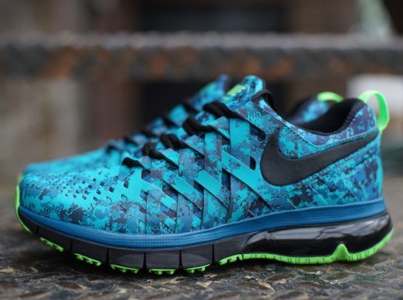 Nike Fingertrap Max NRG  Turbo Green Black-Obsidian-Electric Green ... f4e207afa626
