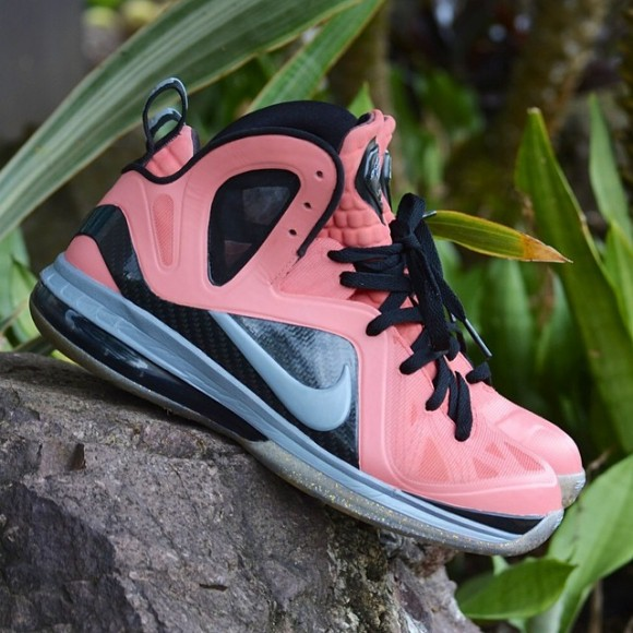 nike-lebron-elite-ix-9-think-pink-customs-by-customs-from-pr