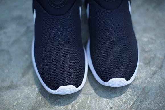 Nike Roshe Run Slip-On Black/White
