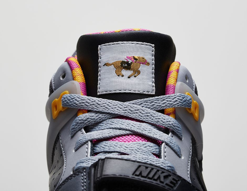 release-reminder-nike-air-trainer-ii-prm-bo-knows-horse-racing-3
