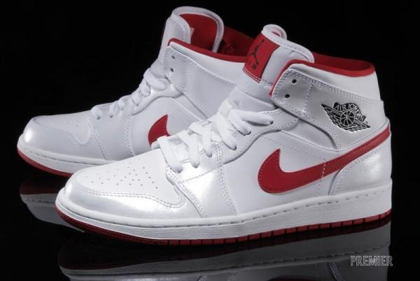 air-jordan-1-mid-white-black-gym-red-1