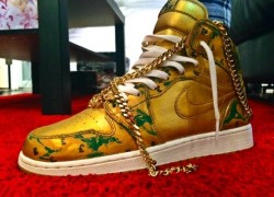 Air Jordan 1 'Scratch Off' Customs by Noldo's Customs