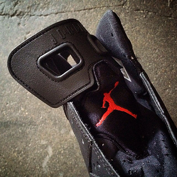 Air Jordan 6 Black/Infrared Rumored to Release on Black Friday