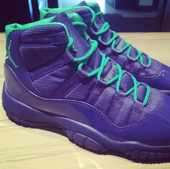 air-jordan-xi-11-gs-hornets