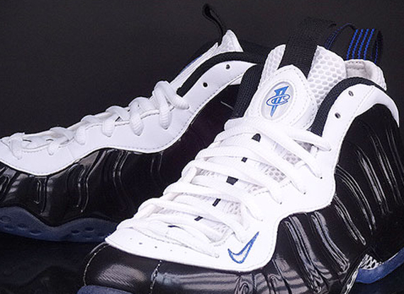 nike-air-foamposite-one-black-white-game-royal-another-look-4