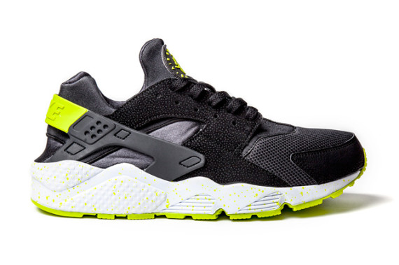 nike-air-huarache-black-venom-green-2