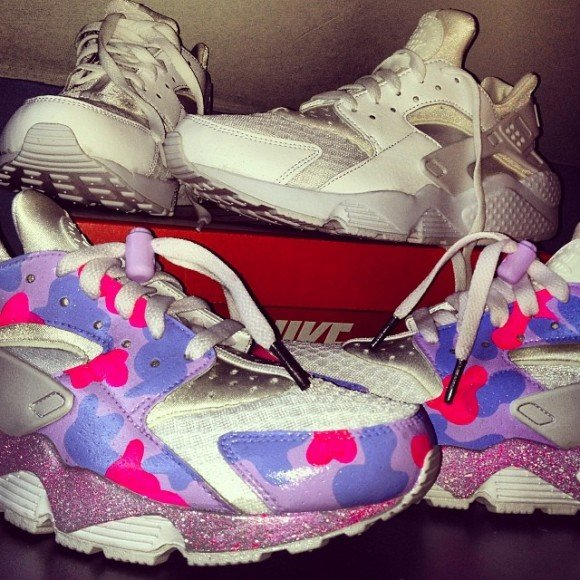 nike-air-huarache-bubble-gum-customs-by-fly-kick-customs