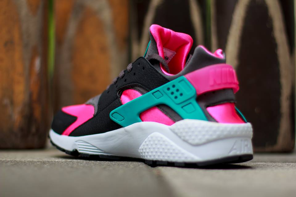 huge discount 59fa6 f4c02 nike-air-huarache-hyper-pink-dusty-cactus-medium-