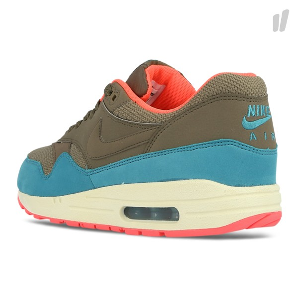 nike-air-max-1-essential-dark-dune-catalina-hyper-punch-5