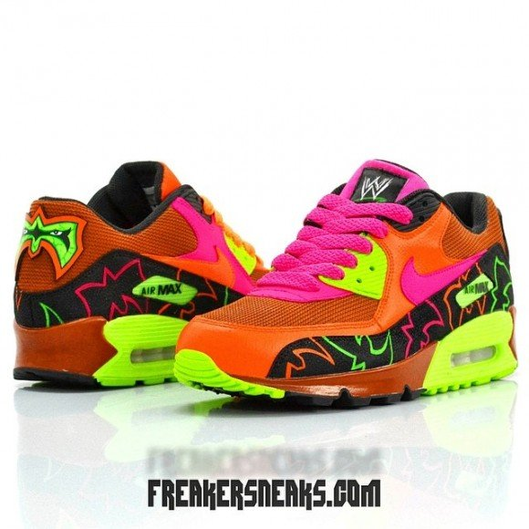 nike-air-max-90-ultimate-warrior-customs-by-freaker-sneaks