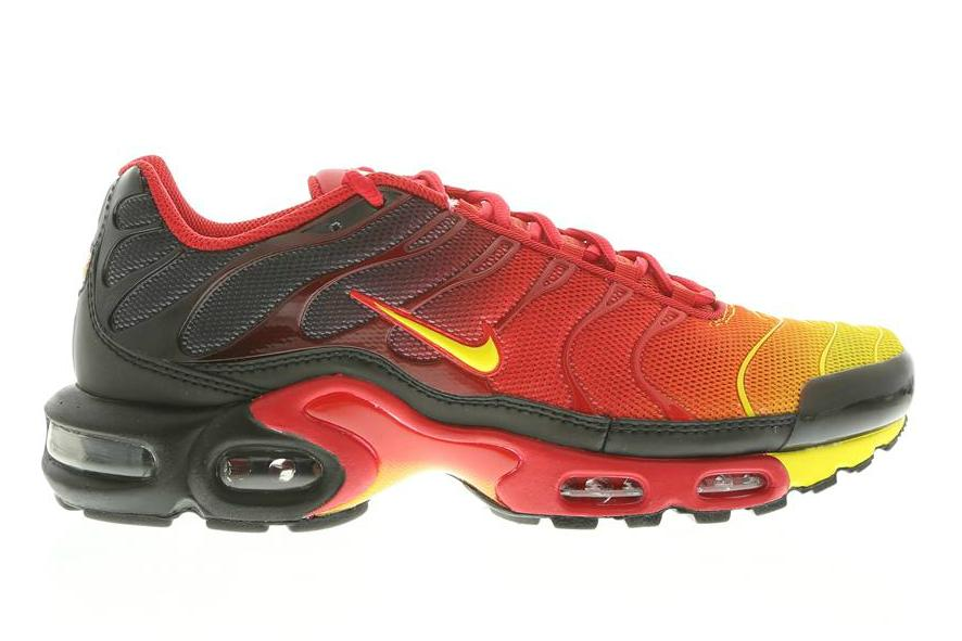detailed pictures 9817e 7f7e3 nike-air-max-plus-laser-crimson-tour-yellow-