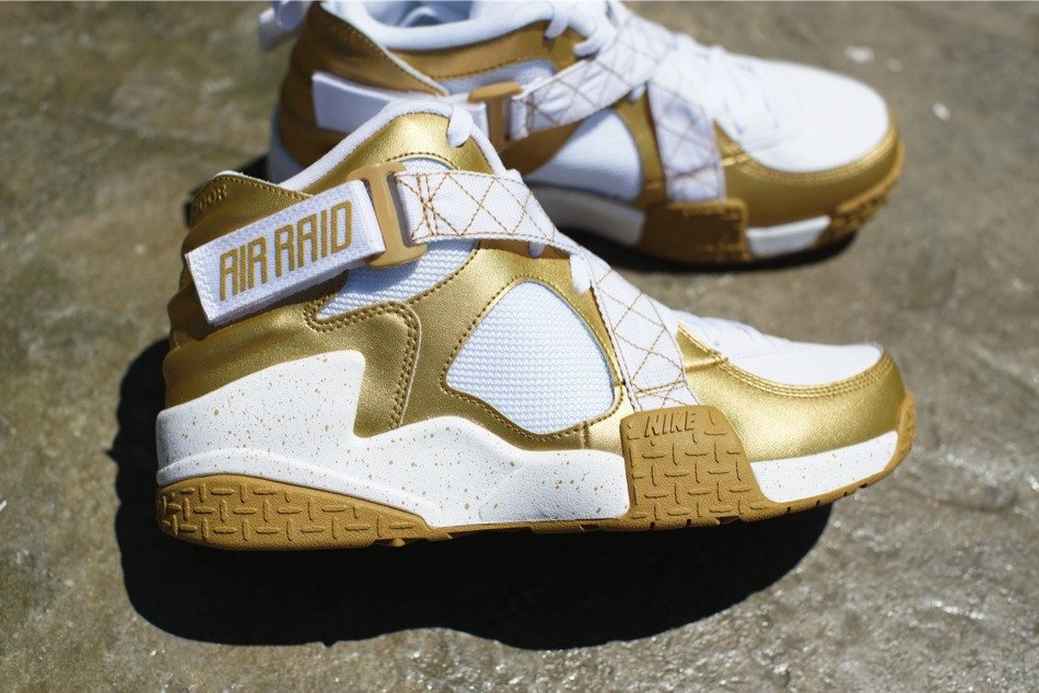 nike-air-raid-metallic-gold-white-release-date-info-2