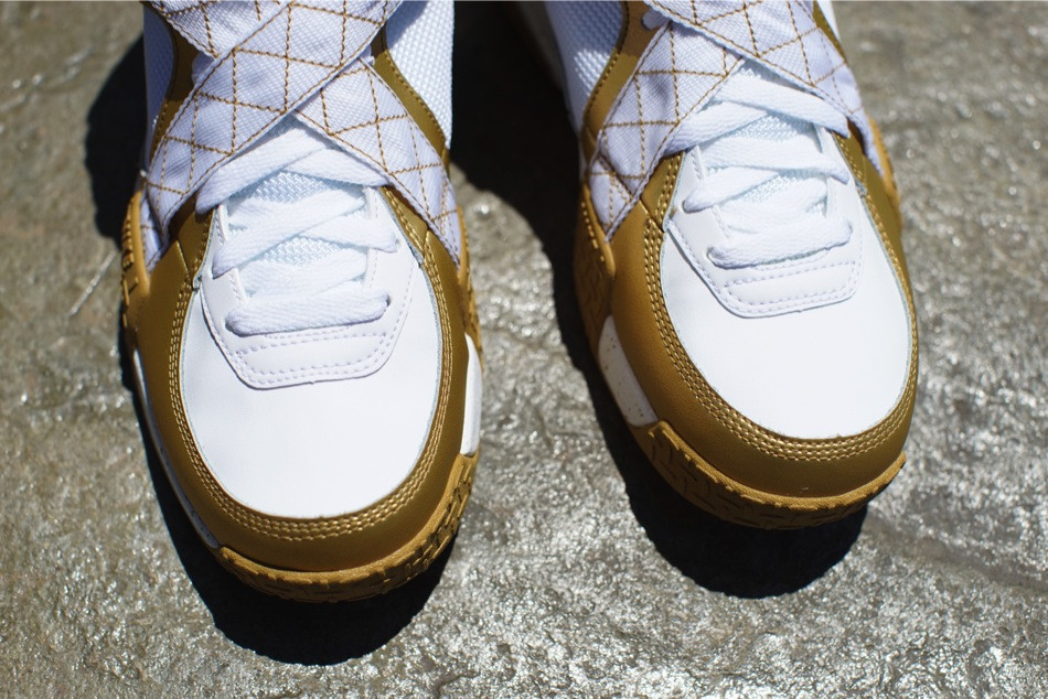 nike-air-raid-metallic-gold-white-release-date-info-4