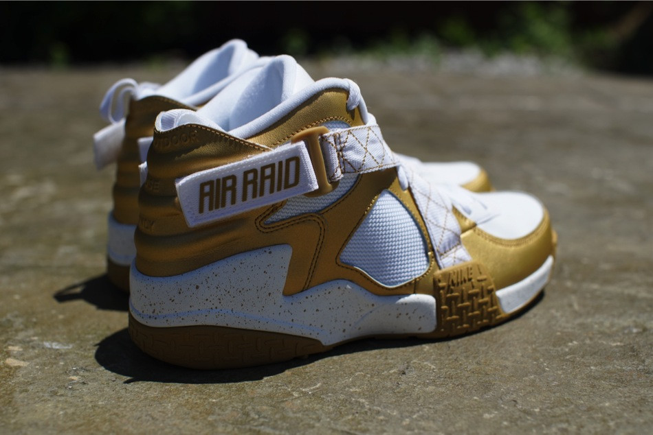 nike-air-raid-metallic-gold-white-release-date-info-5