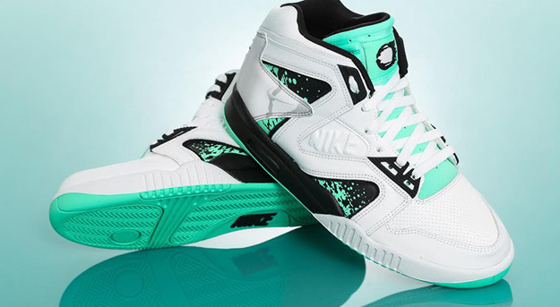 nike-air-tech-challenge-ii-hybrid-qs-green-glow-2