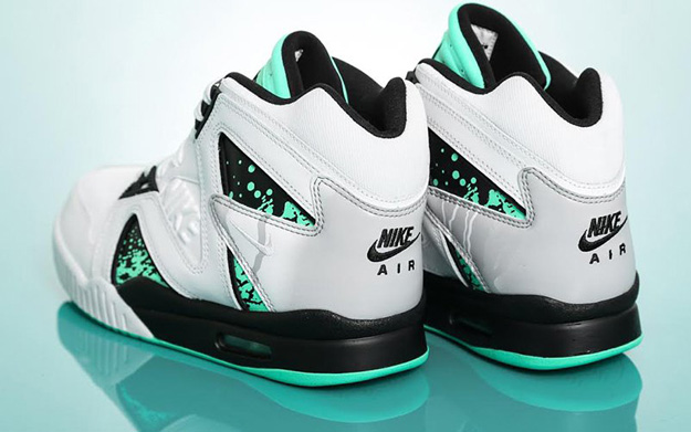 nike-air-tech-challenge-ii-hybrid-qs-green-glow-4