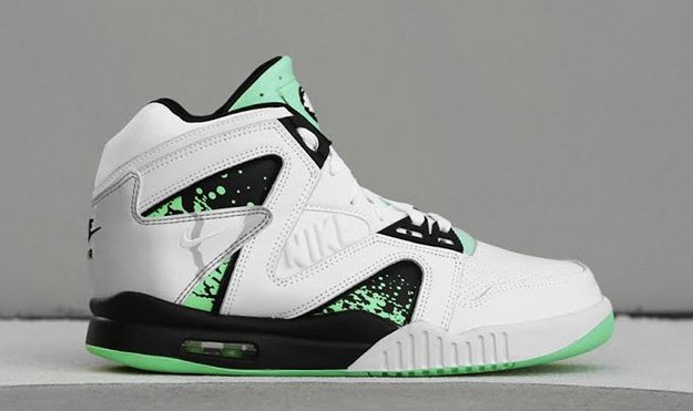 nike-air-tech-challenge-ii-hybrid-qs-green-glow-5