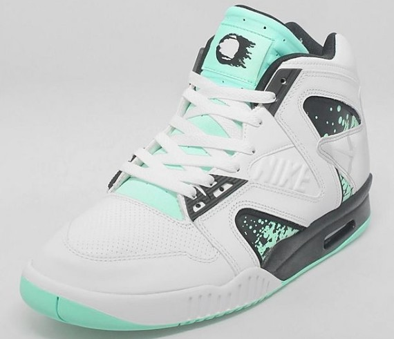 nike-air-tech-challenge-ii-hybrid-qs-green-glow-new-images-2
