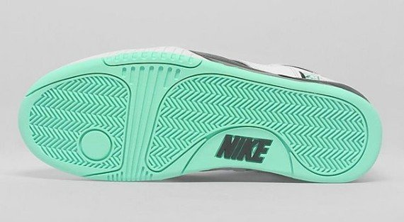 nike-air-tech-challenge-ii-hybrid-qs-green-glow-new-images-3