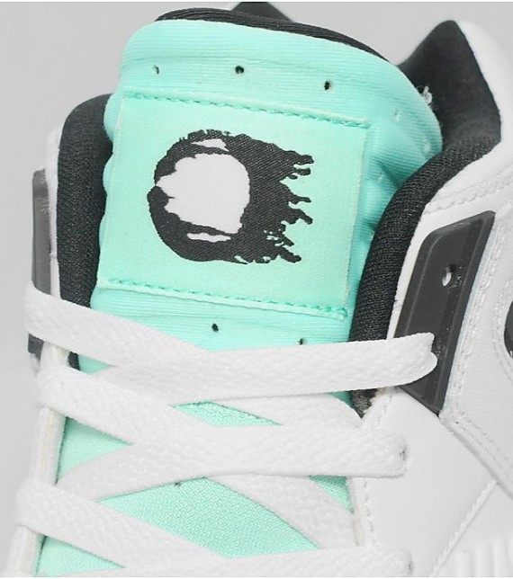nike-air-tech-challenge-ii-hybrid-qs-green-glow-new-images-4
