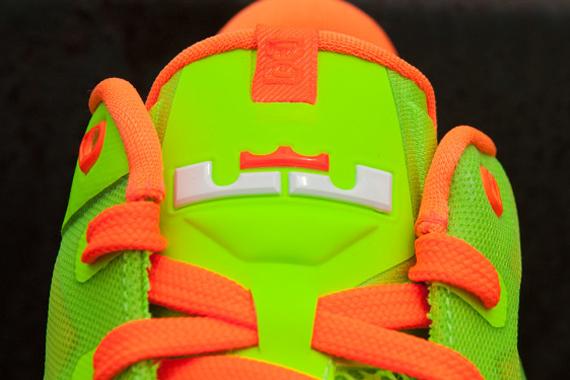nike-lebron-xi-11-gs-electric-green-white-total-orange-release-date-info-6