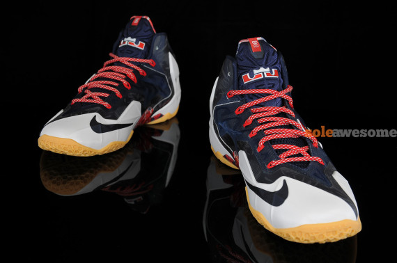 nike-lebron-xi-11-independence-day-new-images-3