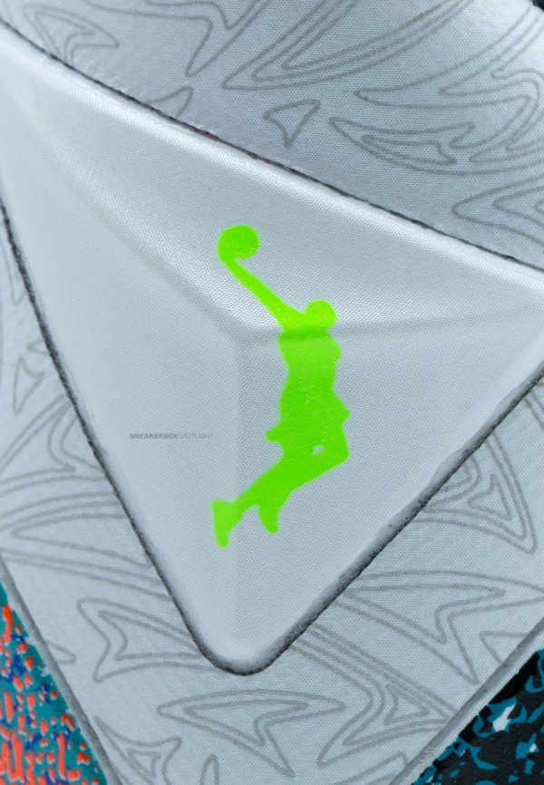nike-lebron-xi-11-what-the-lebron-another-look-14