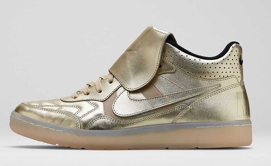 nike-sportswear-gold-hypervenom-collection-5