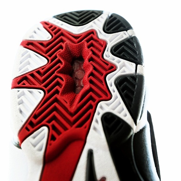 reebok-blast-white-black-excellent-red-release-date-info-3