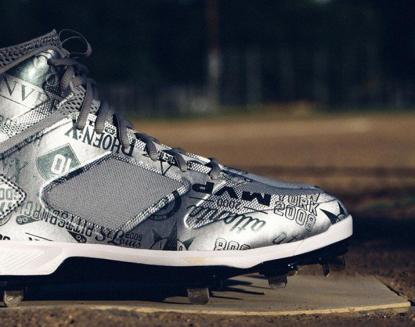 derek-jeter-jordan-brand-2014-mlb-all-star-game-pe-cleats-2