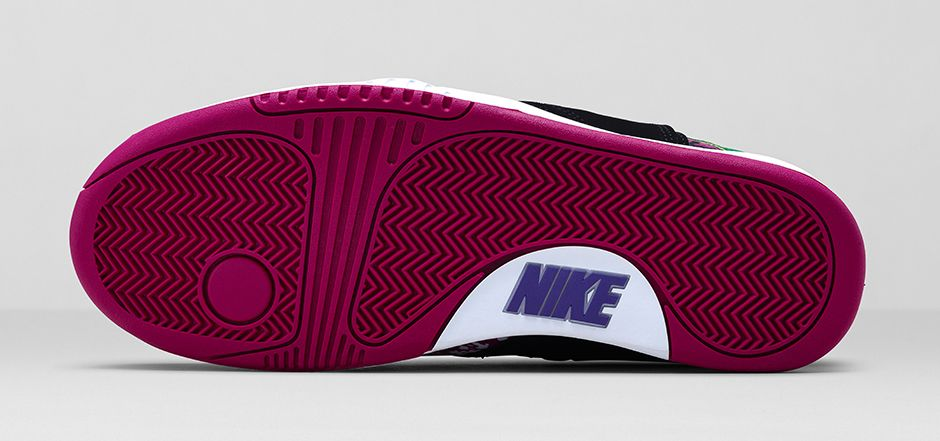 nike-air-tech-challenge-hybrid-black-rave-pink-varsity-purple-white-6