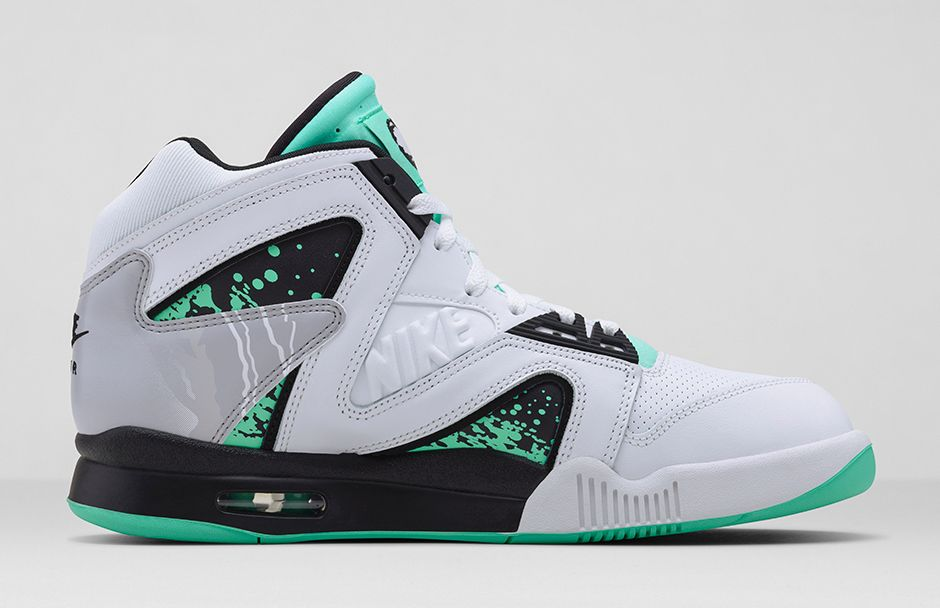 nike-air-tech-challenge-hybrid-white-green-glow-wolf-grey-ice-release-date-info-3